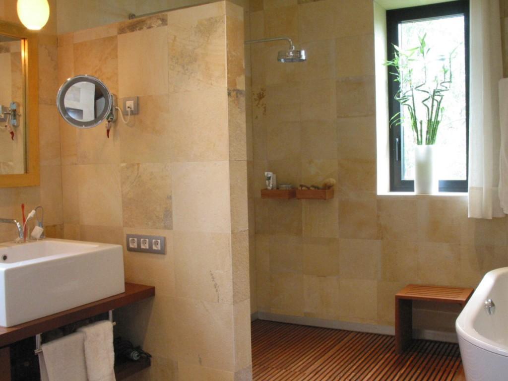 Paredes de baño con piedra Solnhofen